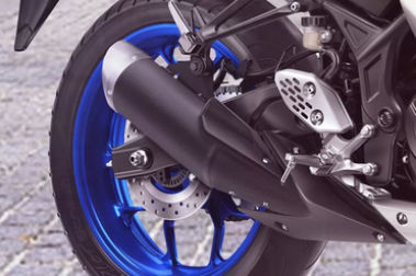 Yamaha YZF R3 Exhaust View