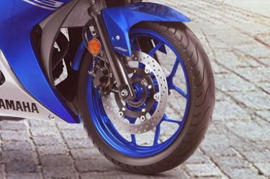 Yamaha YZF R3 Front Tyre View