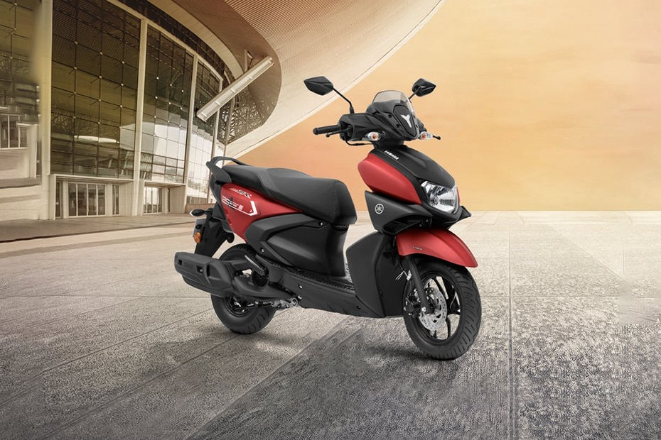 Yamaha RayZR 125 Front Right View