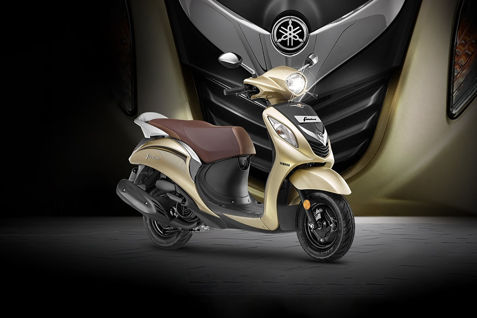 Yamaha Fascino Front Right View