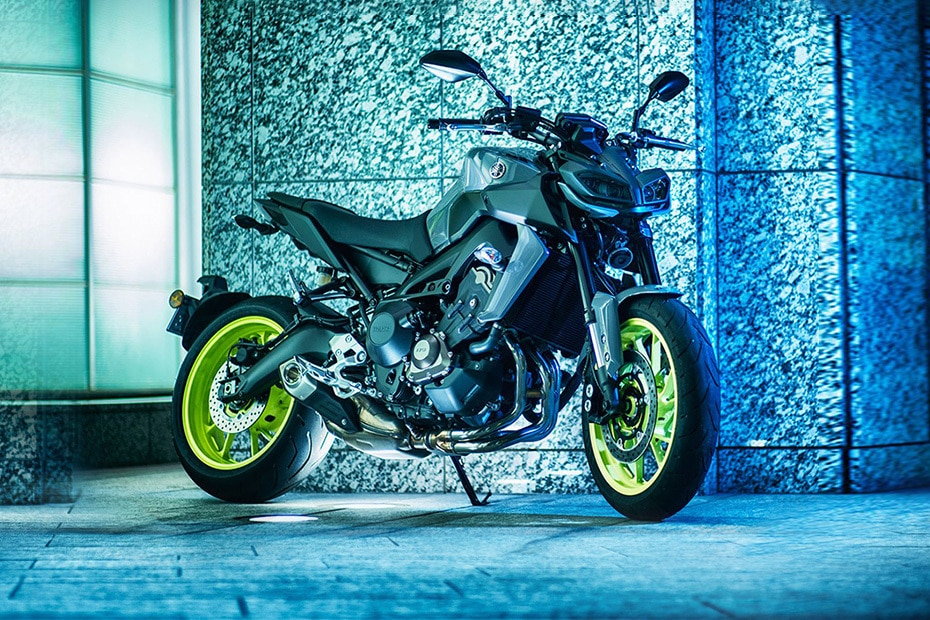 Yamaha MT 09 Front Right View
