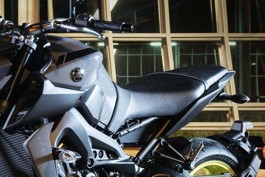 09 >> Yamaha Mt 09 Price Mileage Images Colours Specs Reviews