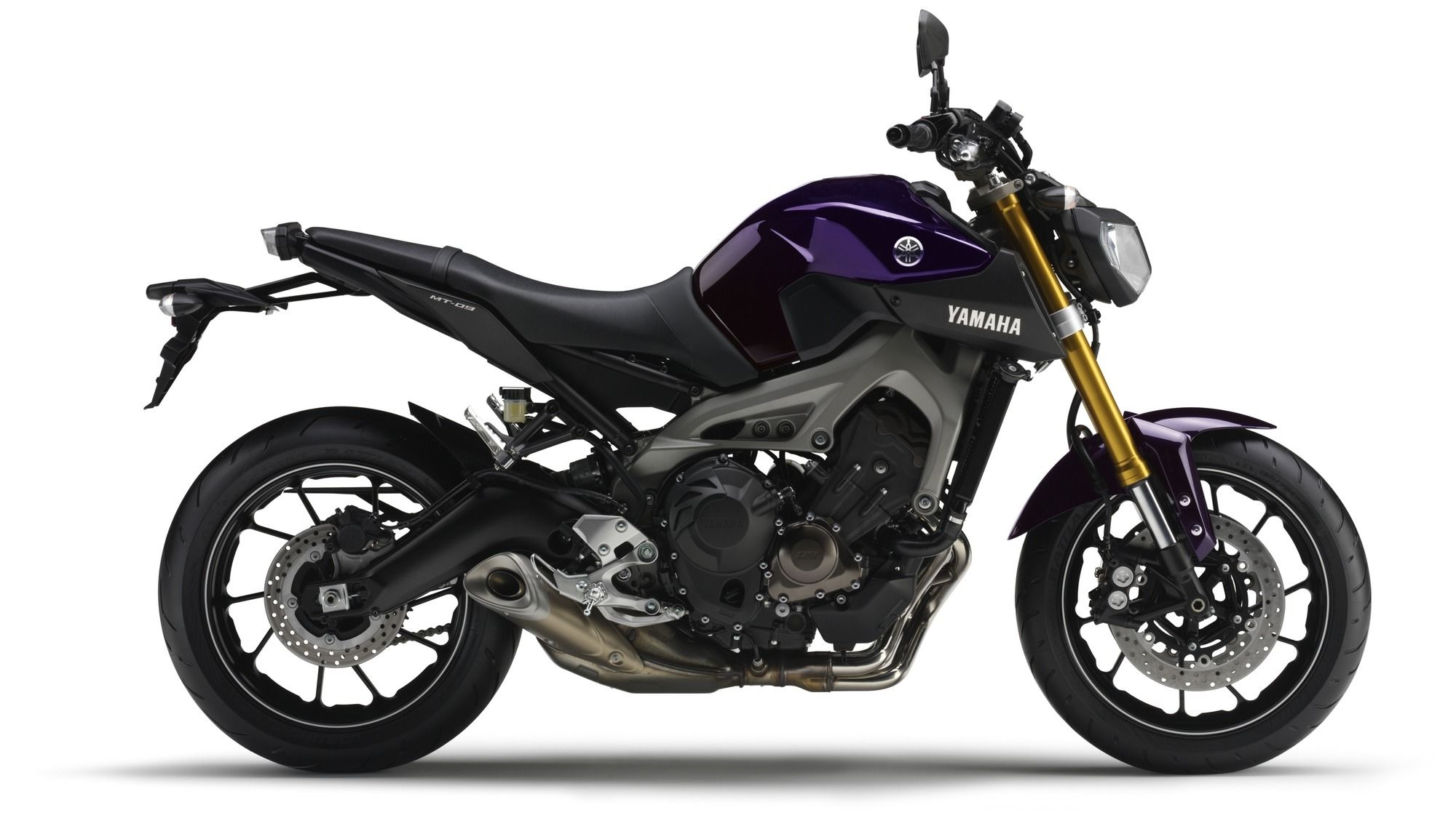 Yamaha mt 09 price emi specs images mileage and colours for Yamaha 9 9 price