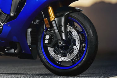 Yamaha YZF R1 Front Tyre View