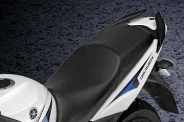 Yamaha YZF R15S Seat