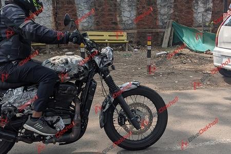 Yezdi Motorcycles Roadking Scrambler Rear Left View