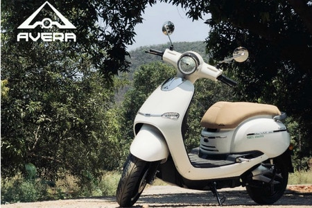 Avera Retrosa Electric Scooter Deliveries Commence