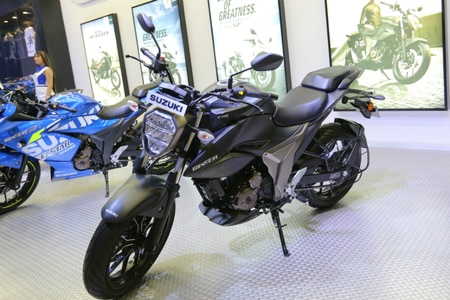 Suzuki Unveils Gixxer 250 BS6 At Auto Expo 2020