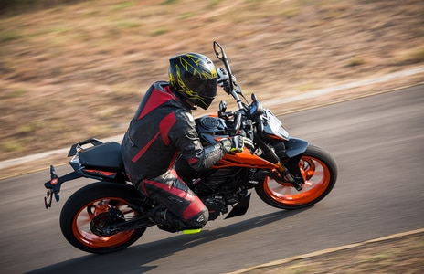 2020 KTM 200 Duke BS6: Pros, Cons, Should You Buy One?