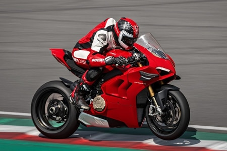 Make Your New Panigale Even Racier With This Kit From Ducati