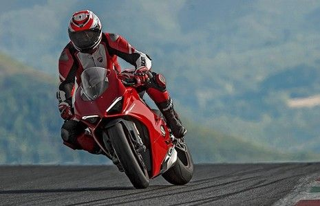 Ducati Panigale V4 launched At Rs 20.53 lakh (ex-showroom)