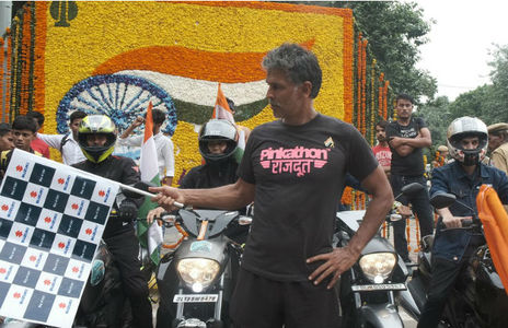 Suzuki India Flags Off Two Riders On Epic Tri-country Ride