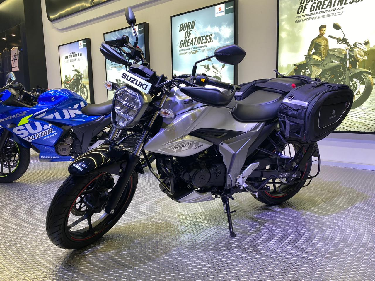 Suzuki Gixxer BS6 Unveiled At Auto Expo 2020