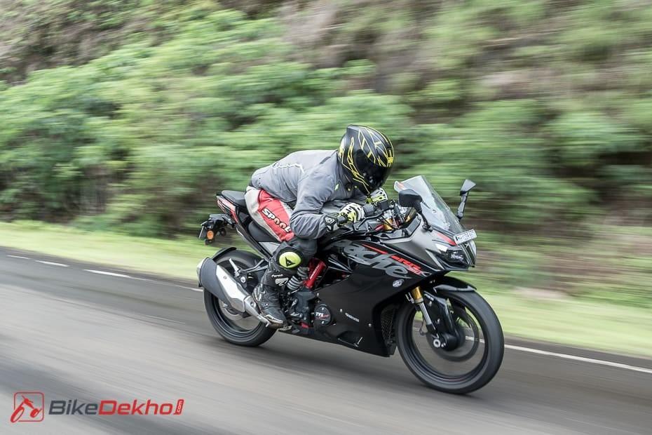 Festive Season Offers On TVS Apache RR 310