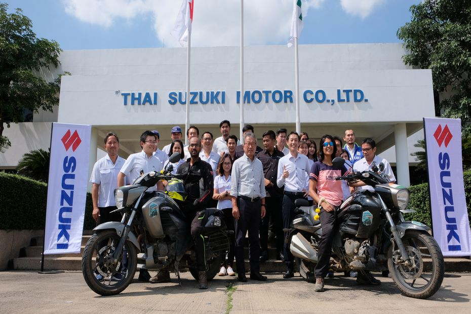 2 Riders Ride Through 3 Countries On A Suzuki Intruder Fi Gaadi