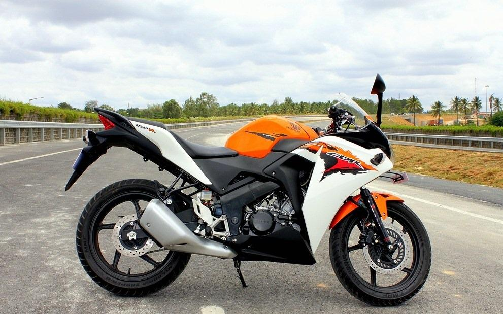 We put the baby CBR 150R through its paces - road test review