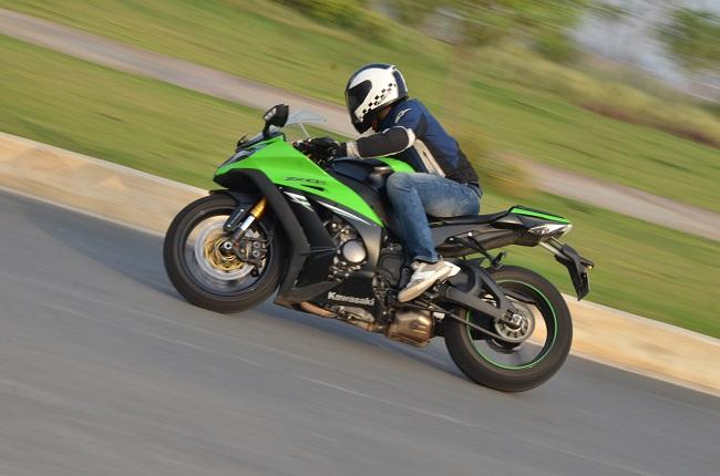 Kawasaki ZX-10R ABS: Expert Review
