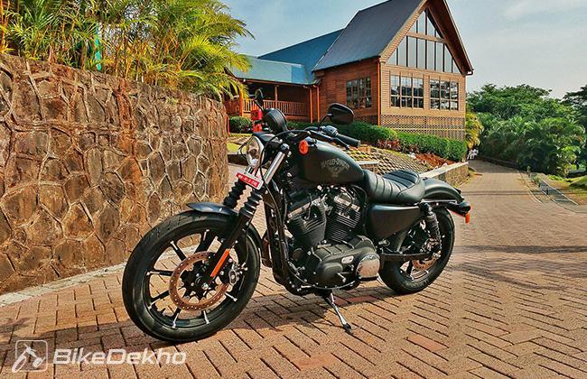 First ride - Harley Davidson Dark Custom Iron 883 and Street 750