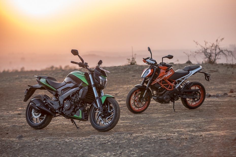 2019 Bajaj Dominar 400 vs KTM 390 Duke: Road Test Comparison