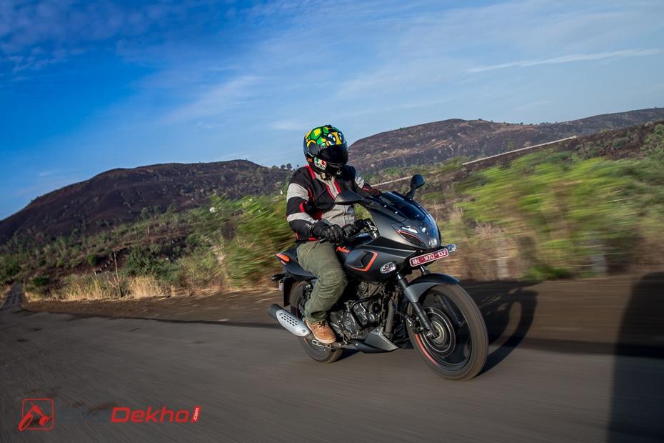 Bajaj Pulsar 180 Neon: Road Test Review