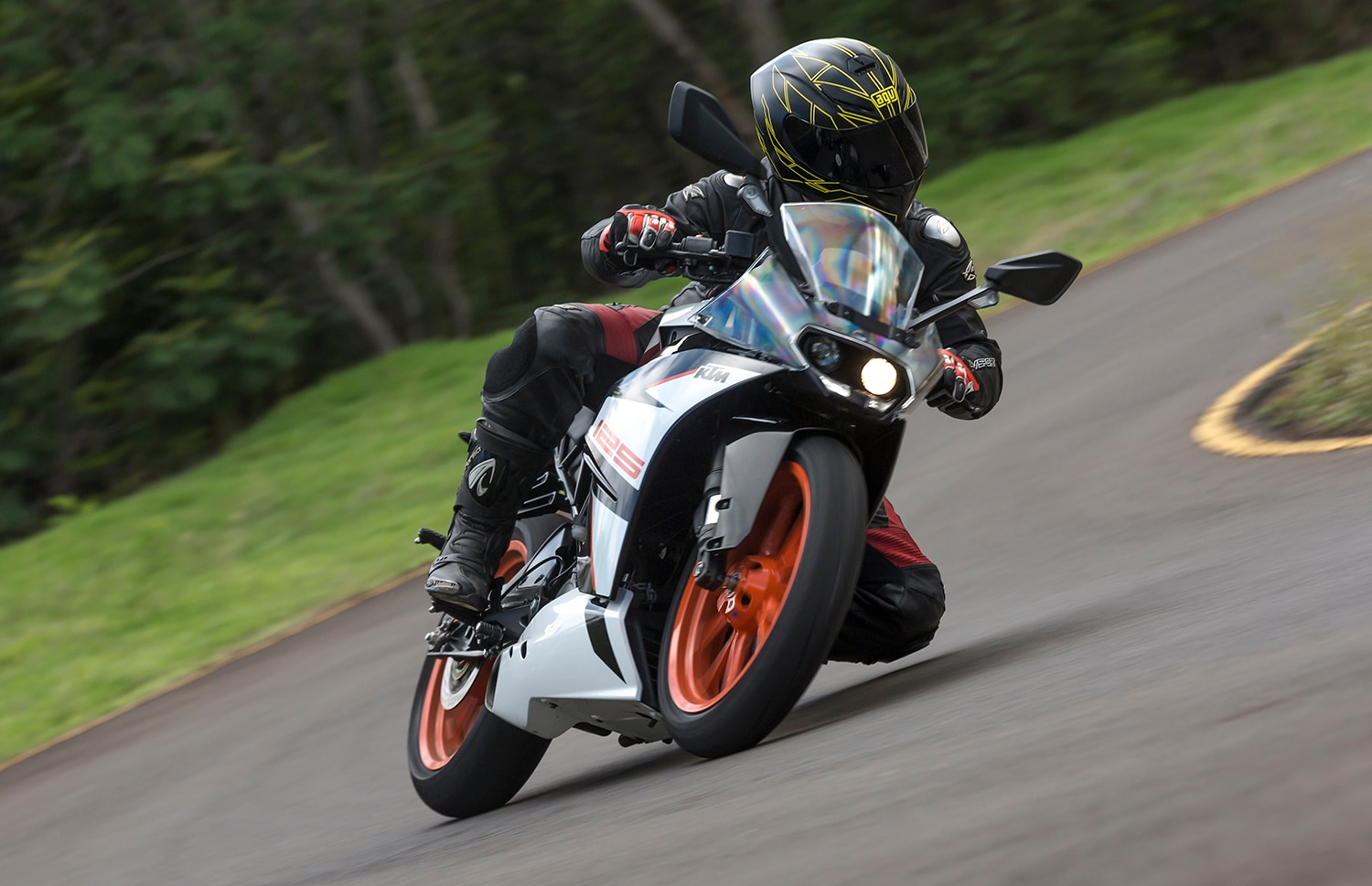 KTM RC 125: Track Ride Review