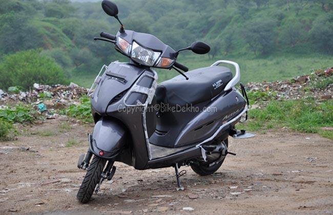 2013 Honda Activa Road Test Review: The Most Fuel Efficient Scooter in India