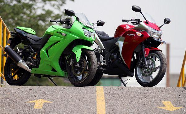 Honda CBR250R vs Kawasaki Ninja 250R : War of the 250s