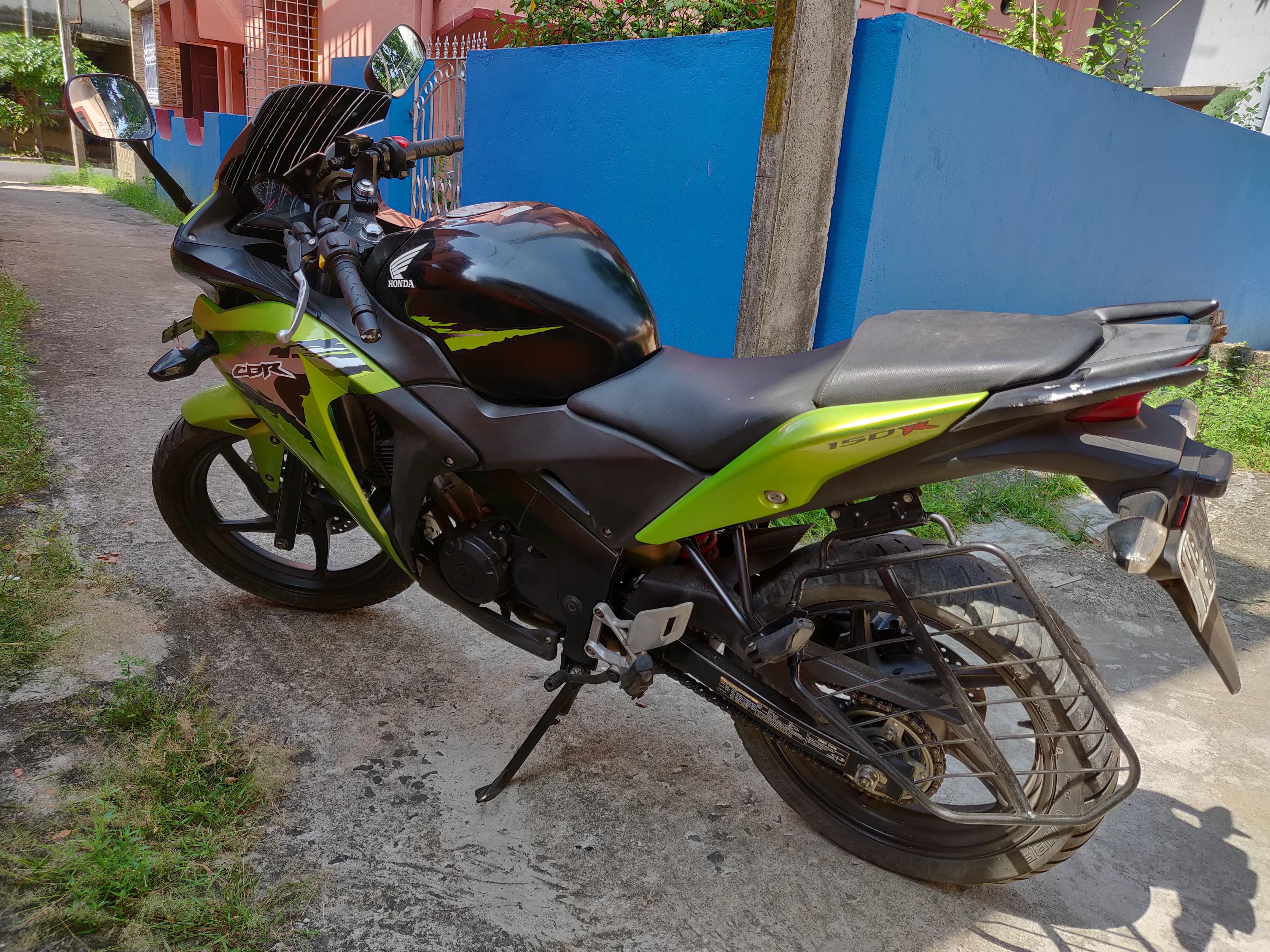 Honda CBR 150 R Deluxe
