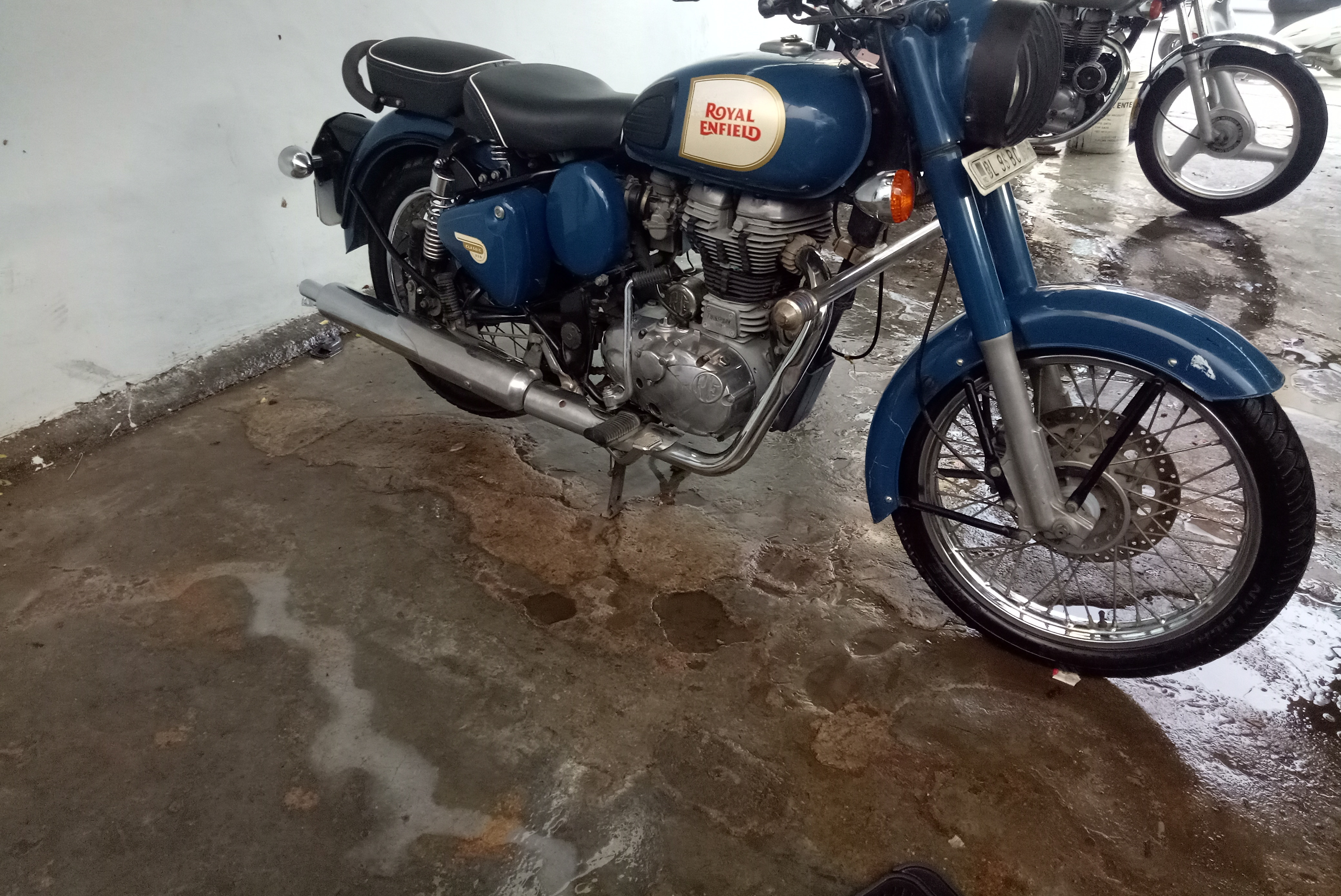 Royal Enfield Classic 350 Price Bs6 Mileage Images Colours
