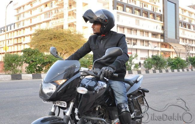 df374061 Steelbird Oscar Flip-up Helmet (SB-41) Review | Bikedekho