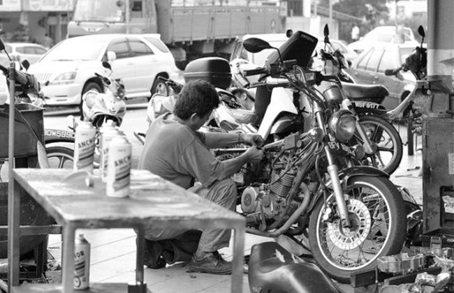 Top ten tips to keep your motorcycle running smoothly