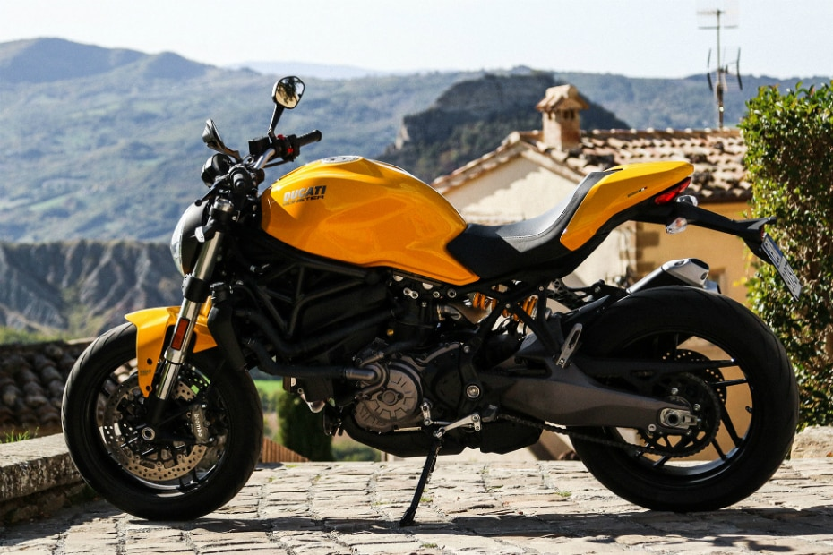 2018 Ducati Monster 821 Launched In India At Rs 9.51 lakh