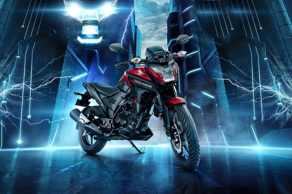 Honda XBlade Akshay Kumar