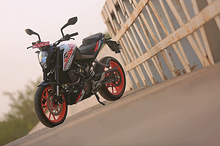 KTM 125 Duke: Pros, Cons & Should You Buy One?
