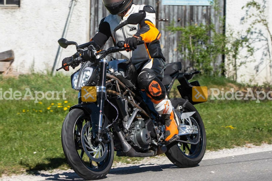 New 2020 KTM 390 Duke