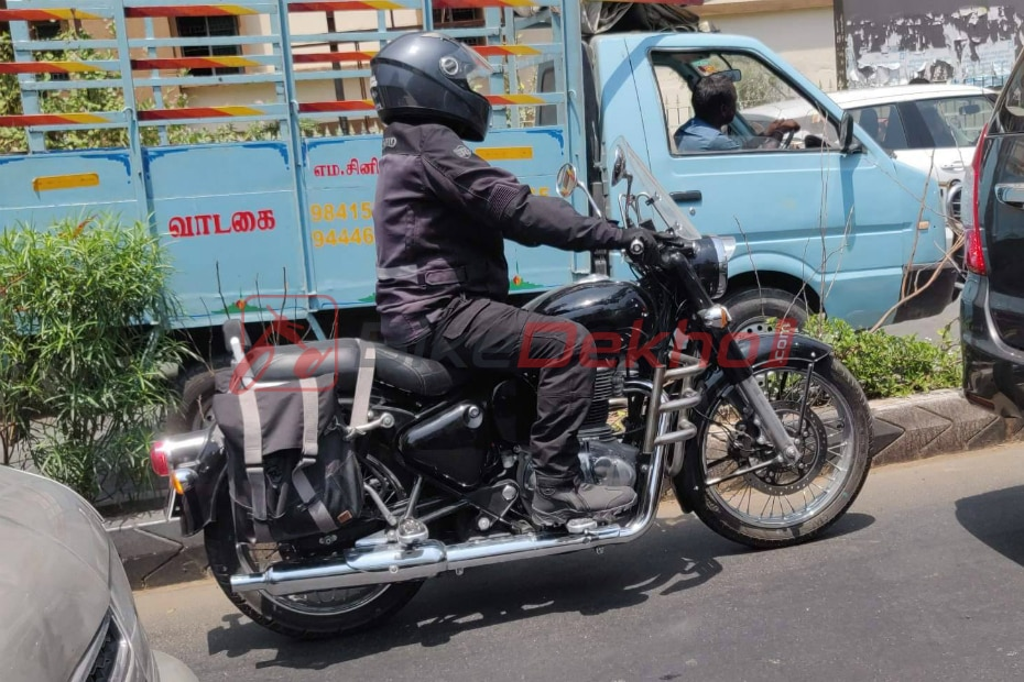 Upcoming Royal Enfield Classic 350 Spotted Testing again