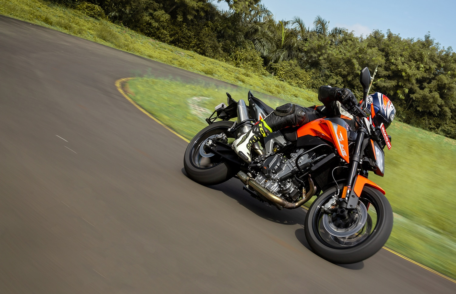 2019 KTM 790 Duke: First Ride Review