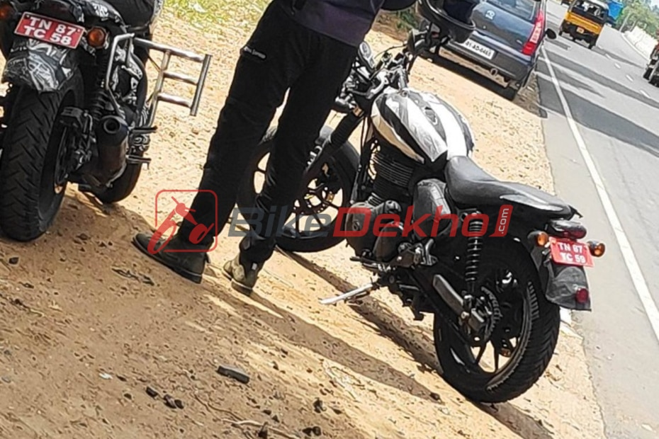 Royal Enfield's New Roadster To Take On Upcoming Triumph-Bajaj Bike & Jawa Forty Two Spotted