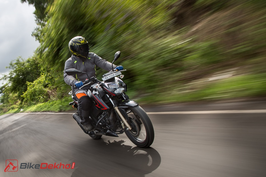 2020 Tvs Apache Rtr 200 4v Bs6 Road Test Review Bikedekho