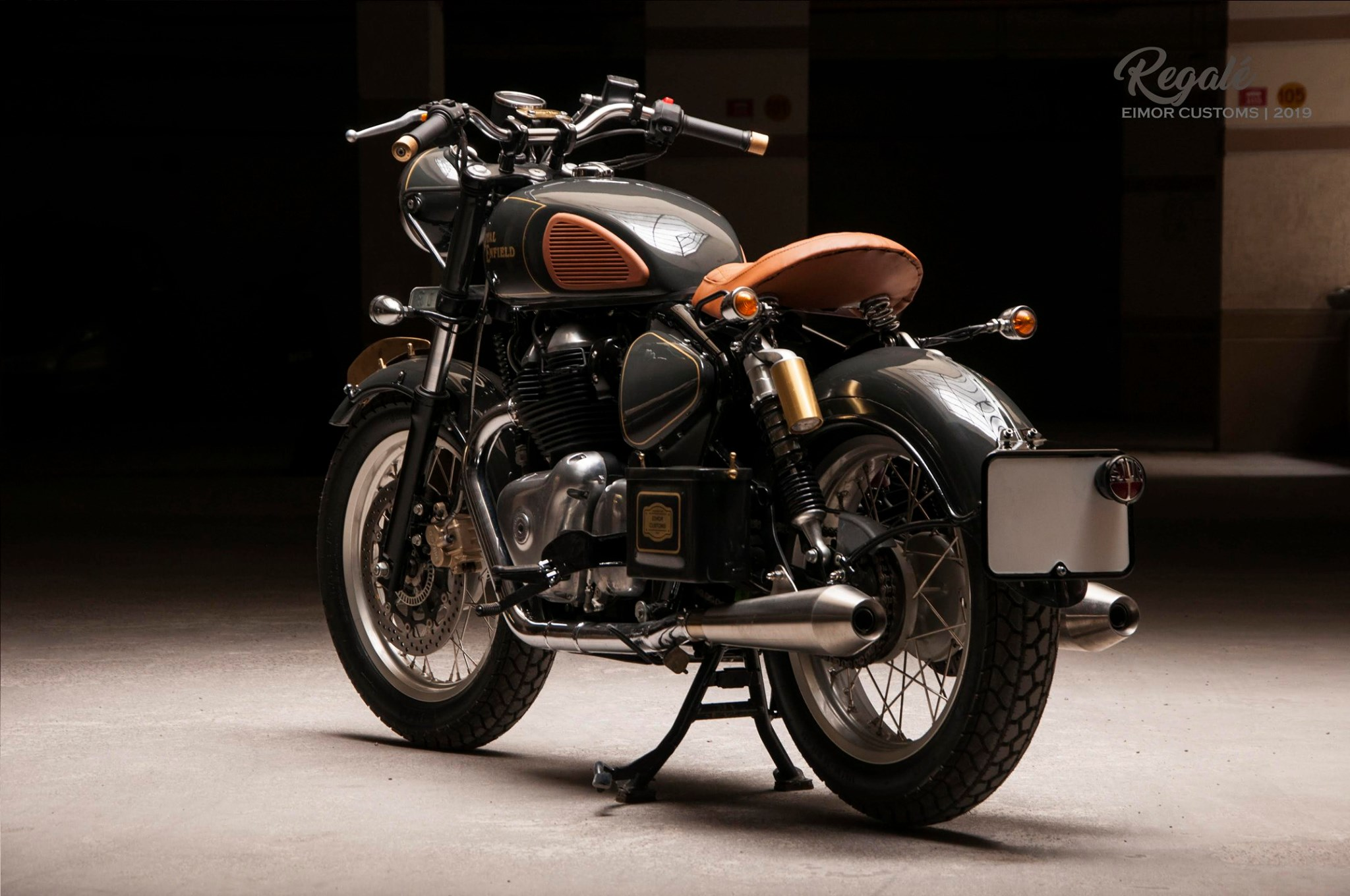 This Royal Enfield Interceptor 650 Bobber Is Ready To Go To War Bikedekho