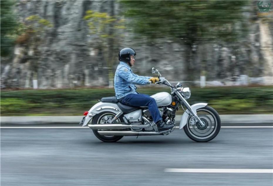 Weird Flex: This Suzuki Intruder Clone Boasts Some Nifty Features