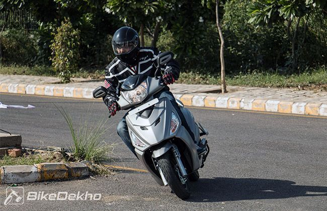 Top 10 Useful Features offered in Latest Scooters in India