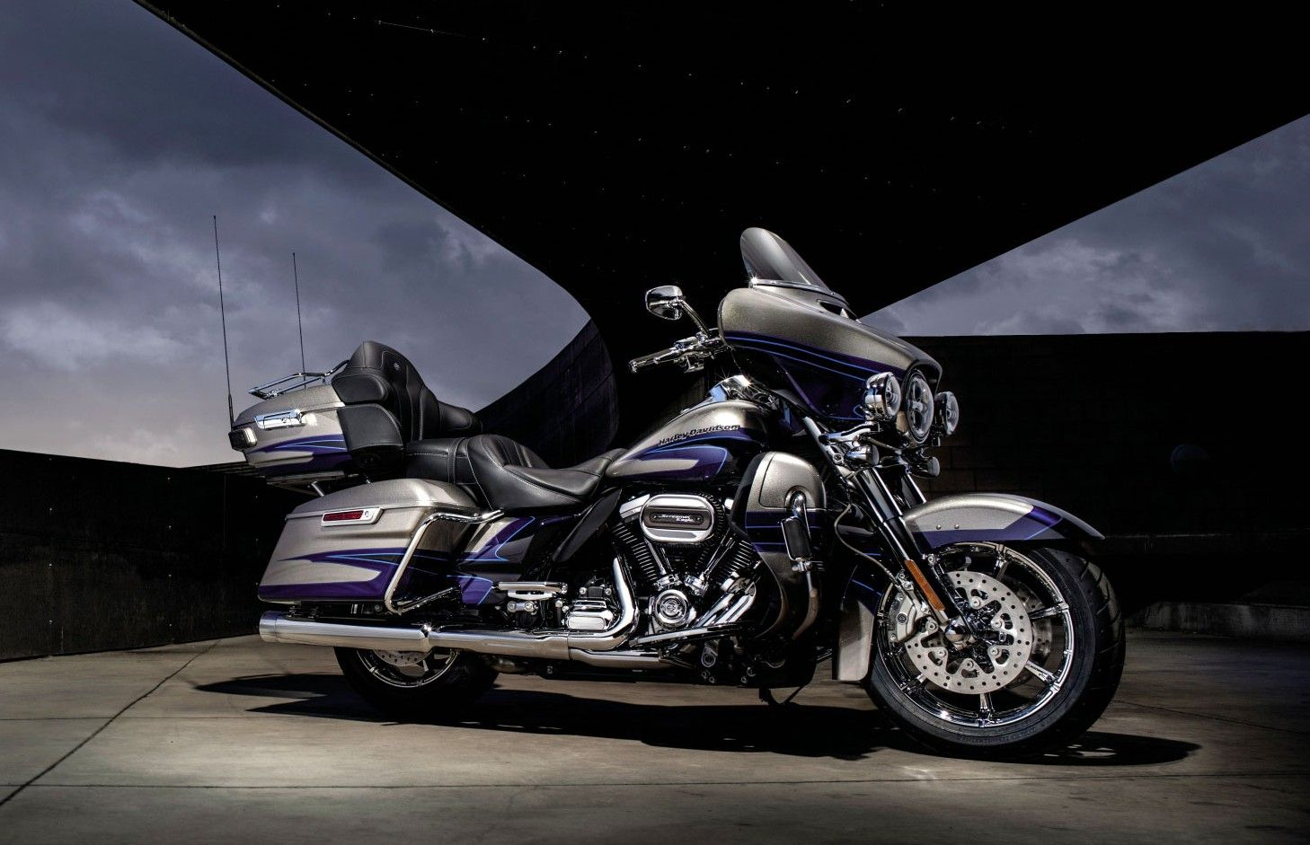 Most Expensive Bikes In India: Harley-Davidson CVO Limited