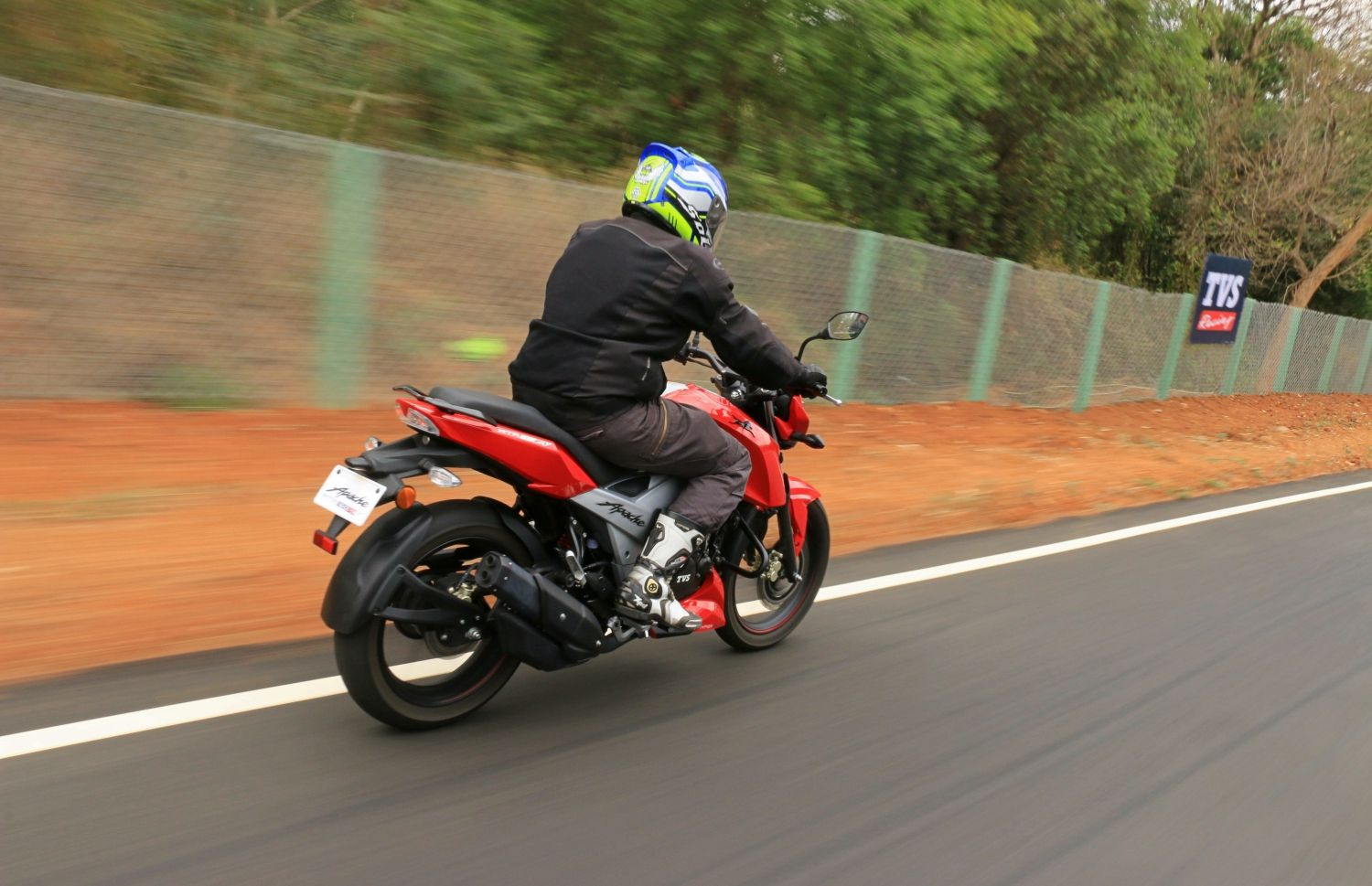 2018 TVS Apache RTR 160 first ride review